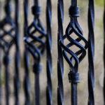 Nowoczesne ogrodzenia dla domu ma wpływ na bezpieczeństwo